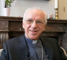 Kardinaal De Kesel is te gast in 'Viermaal Stilvallen' in Keerbergen