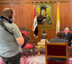 VRT-journalist Rudi Vranckx interviewt Kardinaal Sako, de Chaldeeuwse patriarch van Babylon en aartsbisschop van Bagdad © Rudi Vranckx