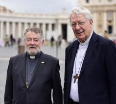Bisschoppen Jean Kockerols en Luc Van Looy namen deel aan de synode over Jongeren, geloof en het onderscheiden van de eigen roeping in oktober 2018. © Arne Focketyn