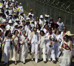Internationale vredesmars van vrouwen in de gedemilitariseerde zone  op de grens