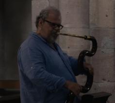 De Franse serpentspeler Michel Goddard © Ambresia Music