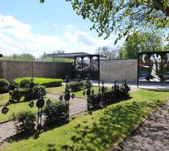 Vernieuwde site van de begraafplaats te Lovendegem