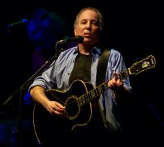 Paul Simon © Wikimedia / Flickr / Matthew Straubmuller