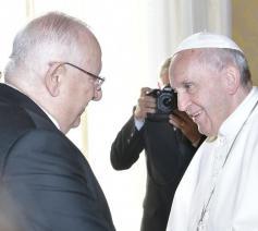 Paus Franciscus ontmoet Reuven Rivlin, de president van Israël, in audiëntie  © Vatican Media