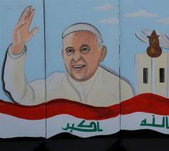Paus Franciscus op een muurschildering in Bagdad © RR