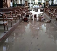 In de kerk van Beufays stond het water 1 meter hoog © Pretre Pierre Hannosset@facebook
