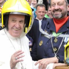 Paus met arbeiders