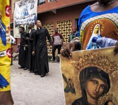 Priesters nemen in Kinshasa deel aan een betoging tegen president Kabila © Belga Image