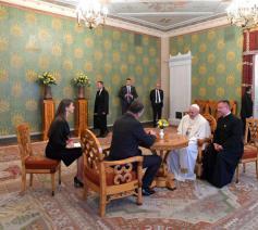 Paus Franciscus met de Letse president Raimonds Vējonis  © Vatican Media
