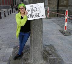 Roos Pinoy draagt met trots de titel 'klimaatjongere' en wil de bijdrage van christenen meer zichtbaarheid geven. © Ellen Eeckhout