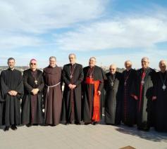 Kardinaal Sandri en de commissarissen van het Heilige Land © Vaticaan Media