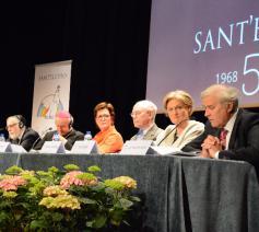 Van rechts naar links: editorialist Luc Van der Kelen, professor Bea Cantillon, minister van Staat Herman Van Rompuy, Sant'Egidio-voorzitster Hilde Kieboom, mgr. Vincenzo Paglia en opperrabbijn Albert Guigui © Sant'Egidio