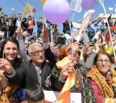 Vreugde om het pausbezoek in de straten van Qaraqosh © VaticanNews