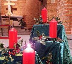 Adventskrans in Sint-Jozef © Mariette Dhondt