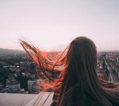 'Soms een bulderende storm. We kunnen de Geest niet missen.' © Alexandr Bormotin on Unsplash
