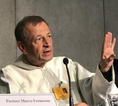 De prior van Taize was deze week aan van de vele sprekers tijdens de bisschoppensynode © Vatican Media