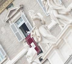 Het Angelus met paus Franciscus © SIR/OSR