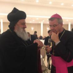 Samen met bisschop Bonny © Syrisch-orthodoxe patriarchaat van Antiochië