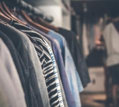 'Zonder jas is een mens vrijer, opener, communicatiever.' © Pexels