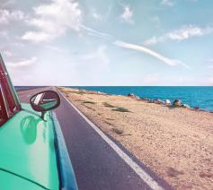 'Ik hoor mensen dikwijls zeggen dat ze van hun vakantie drie dingen verlangen: zon, rust en 'eens iets anders'. Dat is niet zo slecht gezien.' © Pexels