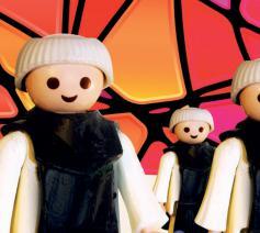 In Abdijmuseum Ten Duinen loopt een tentoostelling over abt Idesbald in Playmobil. © Abdijmuseum Ten Duinen