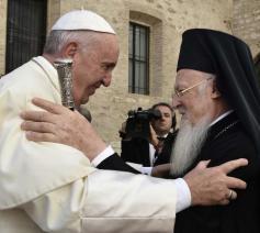 Paus Franciscus met de oecumenische patriarch Bartholomeus © SIR