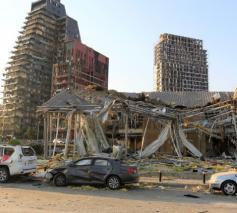 Hele straten werden bij de explosie in puin gelegd © Vatican Media