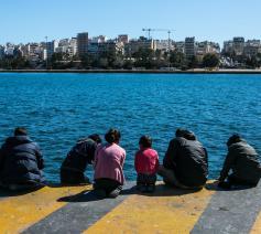 Een nieuwe toekomst is zo dichtbij, en toch zo ver weg.. © Caritas Griekenland