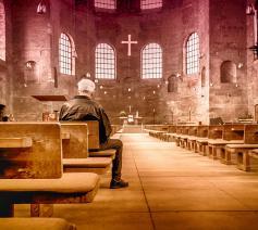 grote kerken, weinig mensen © Pixabay