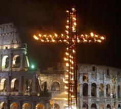 Colosseo-viacrucis © VaticanMedia