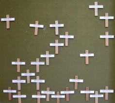 kruisjes van overledenen © (c)pixabay.com