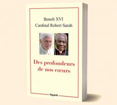 Benedictus XVI wil geschrapt worden als mede-auteur © Fayard