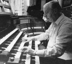Frans Boon aan het orgel. © Blogspot Frans Boon