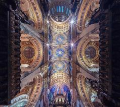 Vertorama van de Saint Paul's Cathedral in Londen. © Peter Li