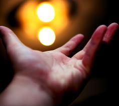 Het Licht komt in de wereld, maar ontglipt ons toch weer vaak. © CC Chandler Chou