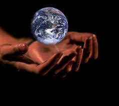 handen-aarde © CC Pixabay