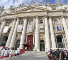 De heiligverklaring van Oscar Romero en paus Paulus VI © Vatican Media