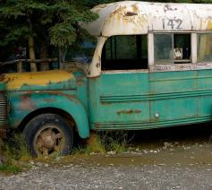 Replica van de bekende McCandless-bus voor de film Into the Wild © Wikimedia Commons