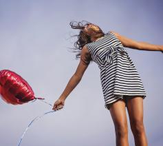 'Ik geloof in de veerkracht van mensen, wat er ook gebeurt. Ik geloof in de goedheid tussen mensen, die elkaar niet laten vallen. En dat alles in het spoor van Jezus, onze heer en broer.' © Pixabay / Thye Virtual Denise