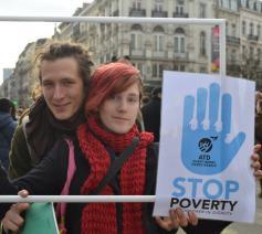 ATD vierde wereld voert actie onder het motto 'Stop armoede' © ATD vierde wereld