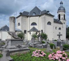 kerk en oud kerkhof © Denise Dictus