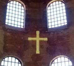 Het kruisteken brengt de liefdevolle harmonie van de Drie-ene God in herinnering. © Mark Van de Voorde