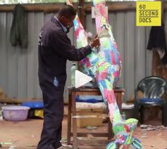 'Kunst met slippers' redt de oceaan van plastic en creëert schoonheid en werk. © 60 second docs presents