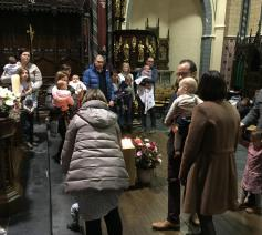 Kinderzegening in de Sint-Pieterskerk