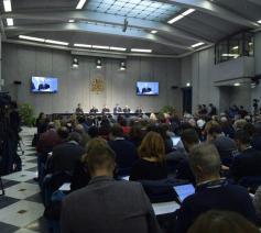 Persconferentie met de voorstelling van de topontmoeting voor kinderbescherming © Siciliani-Gennari/SIR
