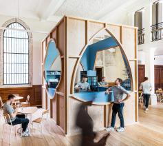 Het ontwerp voor foyer 'De Plek' won een Dezeen Award. © Ontwerpbureau Van Staeyen
