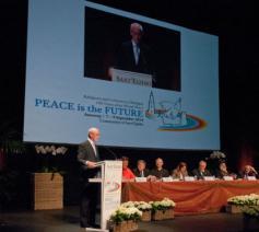 De opening van de interreligieuze ontmoeting in 2014 in Antwerpen © Philippe Keulemans