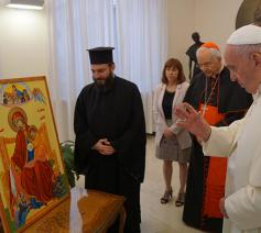 Paus Franciscus zegende op 15 september de icoon 'Onze-Lieve-Vrouw van Smarten - Troosteres van het Syrische volk' in bijzijn van iconenschrijver Spiridon Kabbah © RR