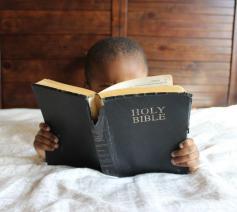 De Bijbel is een schat waar oud en nieuw uit tevoorschijn blijft komen. Maar ze ontginnen, is een leerproces. © nappy via Pexels