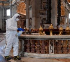 Reiniging van de crypte van Sint-Pieter © Vatican Media